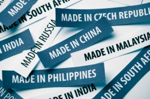 Offshoring-vs.-Reshoring-the-Business-Perspective
